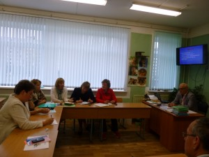 А.А.Судаков директор школы организовал дискуссию по теме ШМС.